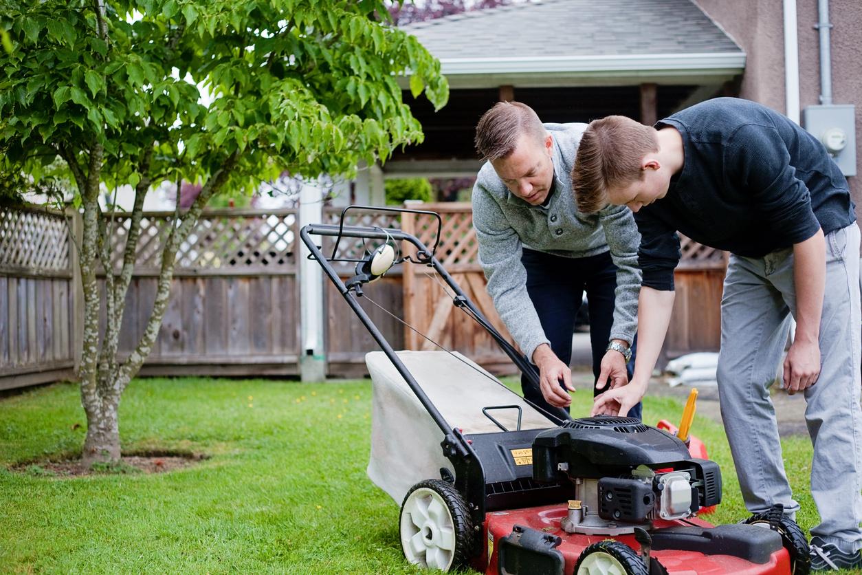 Weekly Lawn Maintenance Norfolk